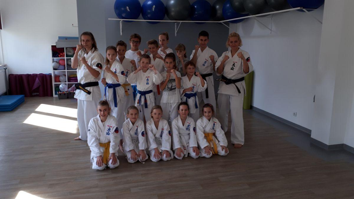 spotyka się z karate w jakim wieku możemy zacząć się umawiać